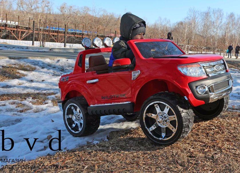 Проходимый детский электромобиль форд
