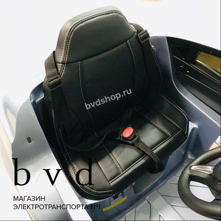Мягкое кожаное сиденье с 3х точечным ремнем безопасности